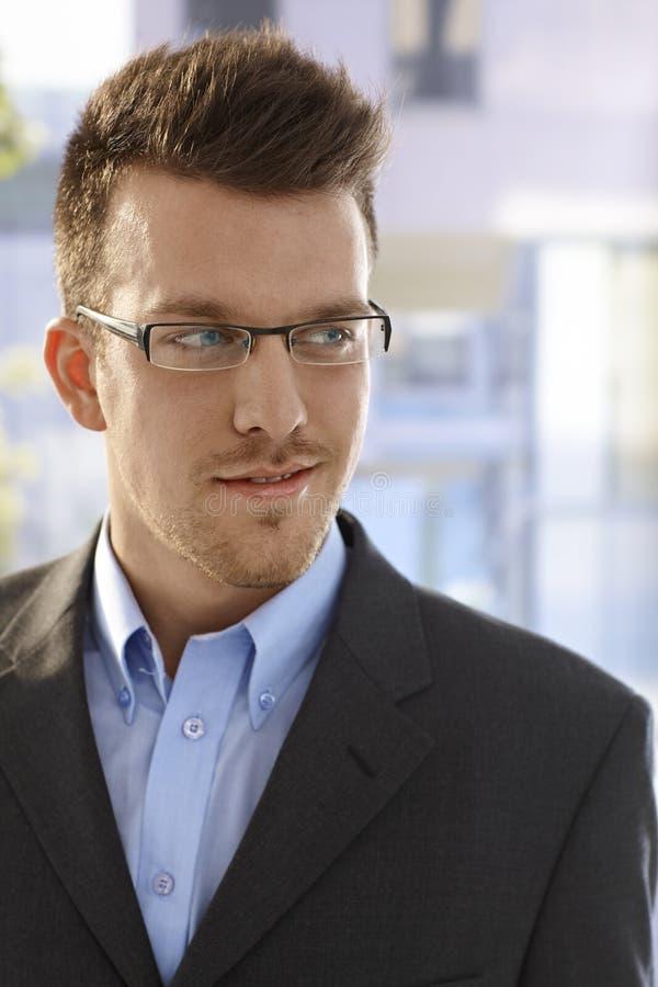 Retrato do close up do homem de negócios novo imagens de stock royalty free