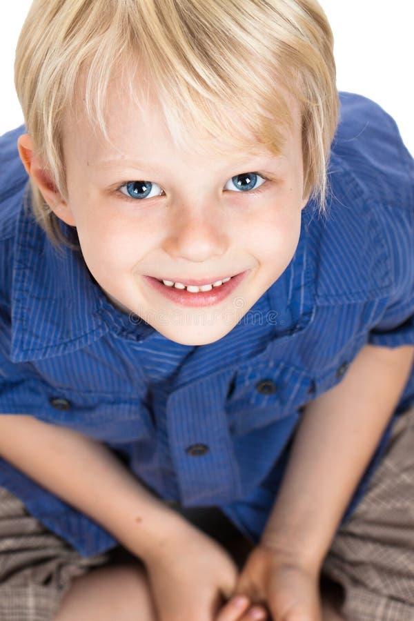 Retrato do Close-up do menino novo bonito imagem de stock royalty free