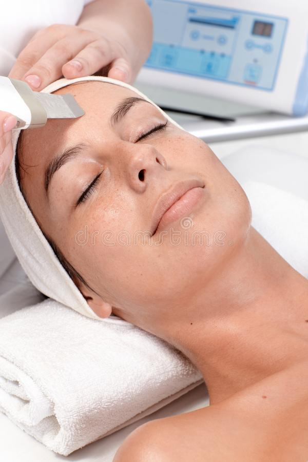 Retrato do close up do tratamento facial da beleza fotos de stock royalty free