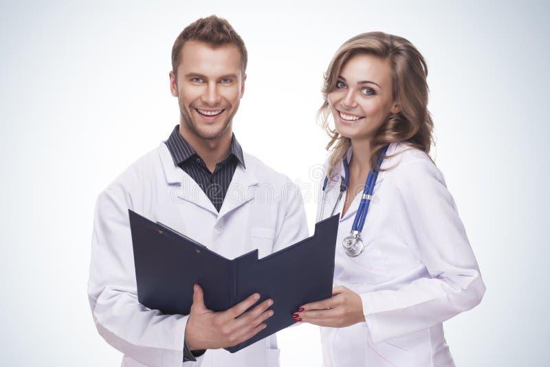 Retrato do doutores de sorriso imagem de stock
