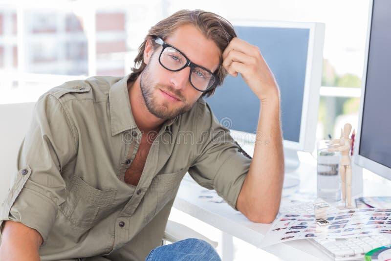 Retrato do editor de fotos considerável fotografia de stock royalty free