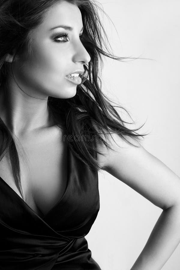 Retrato do encanto da mulher 'sexy' fotografia de stock