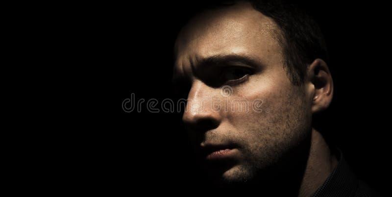 Retrato do estúdio do close up do homem europeu novo fotos de stock