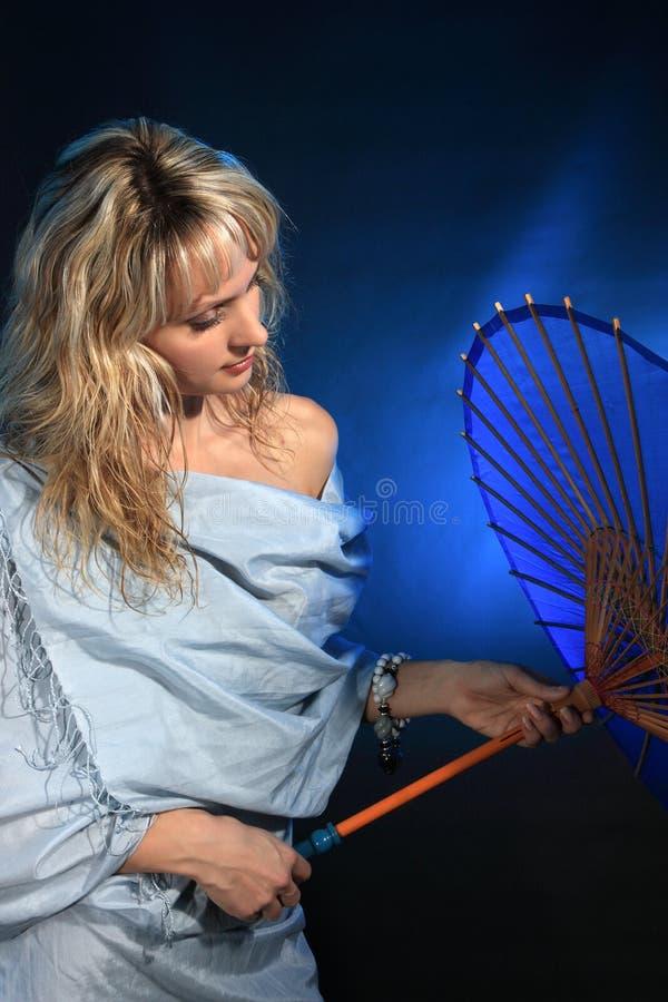 Retrato do estúdio da mulher foto de stock royalty free