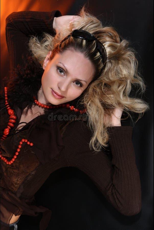 Retrato do estúdio da mulher imagem de stock royalty free
