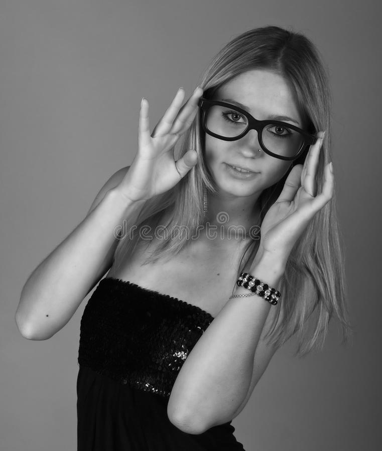 Retrato do estúdio de uma rapariga foto de stock