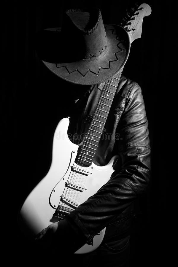 Retrato do guitarrista fotografia de stock