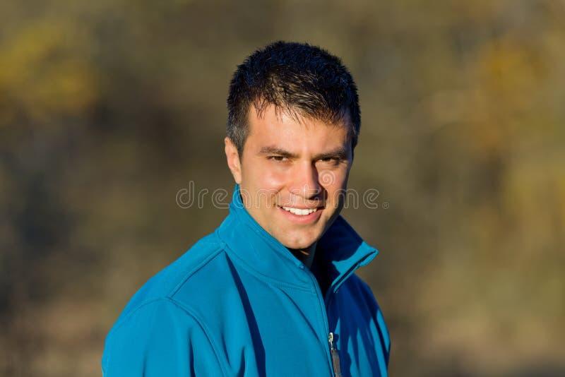 Retrato do homem atrativo fotografia de stock