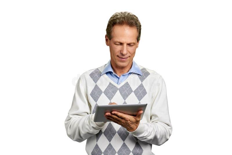 Retrato do homem com tabuleta digital imagens de stock royalty free