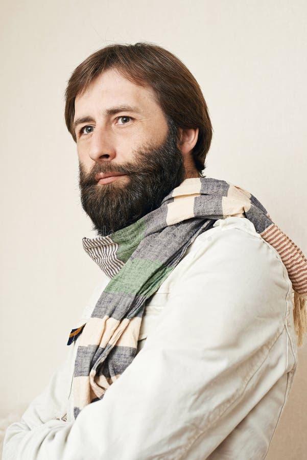 Retrato do homem com uma barba grande e os bigodes fotografia de stock