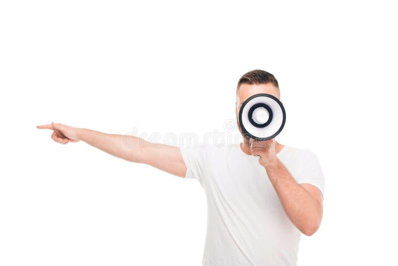 Retrato do homem considerável novo que usa o megafone, foto de stock royalty free