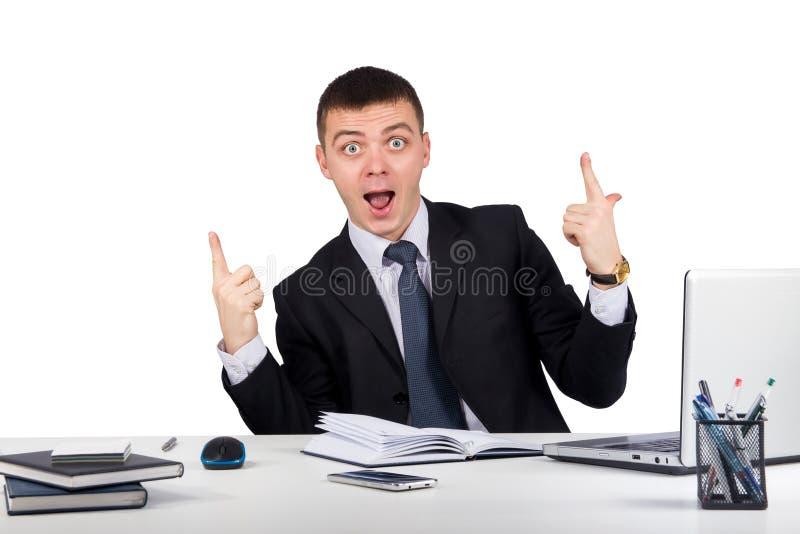 Retrato do homem de negócios feliz que mostra os polegares acima imagens de stock