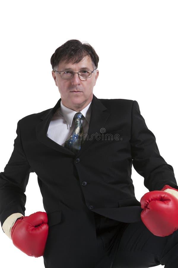 Retrato do homem de negócios maduro With Boxing Glove foto de stock royalty free