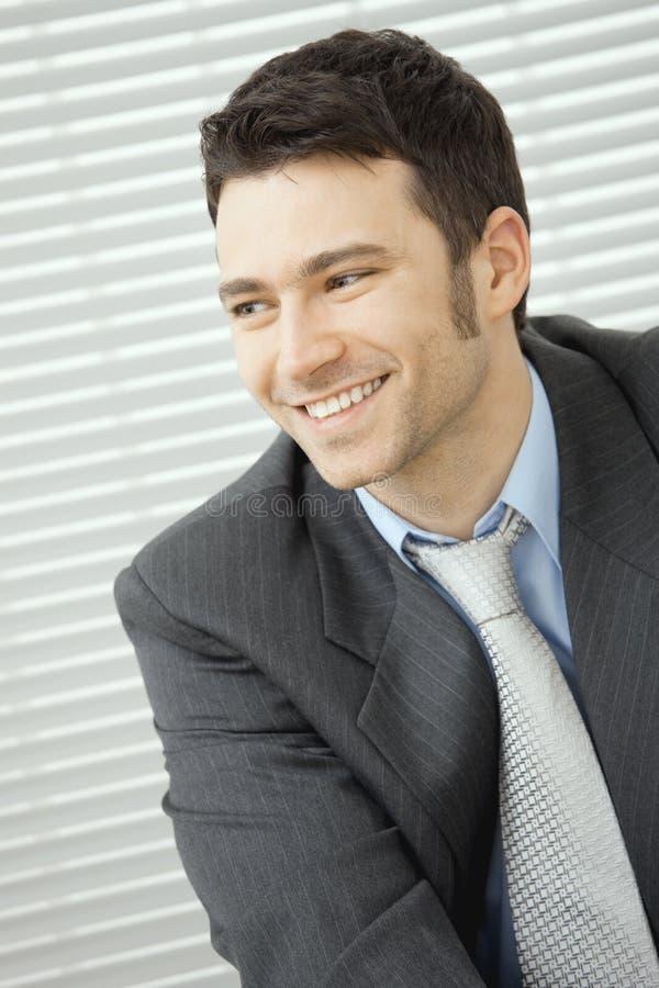 Download Homem De Negócios Novo Feliz Foto de Stock - Imagem de emprego, expressão: 29845392
