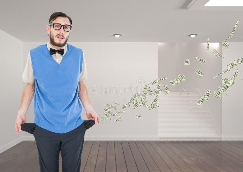 Retrato do homem de negócios que está no prédio de escritórios com os bolsos vazios que representam a perda de dinheiro fotos de stock royalty free