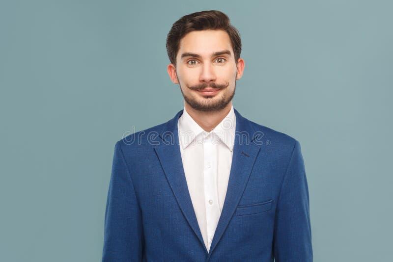 Retrato do homem de negócios do smiley com bigode foto de stock royalty free