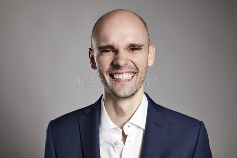 Retrato do homem de sorriso fotos de stock royalty free