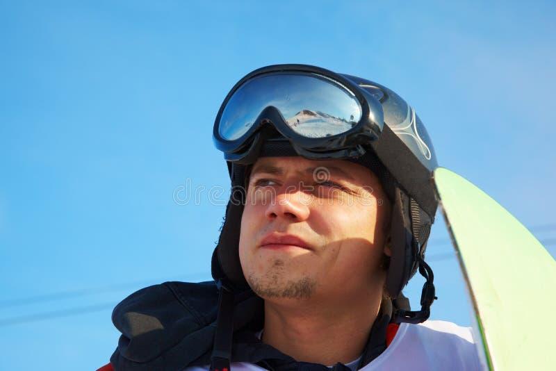 Retrato do homem do Snowboard fotografia de stock royalty free
