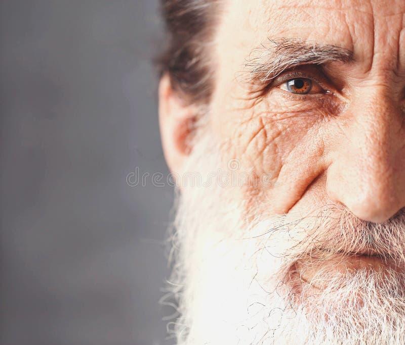 Retrato do homem farpado superior foto de stock