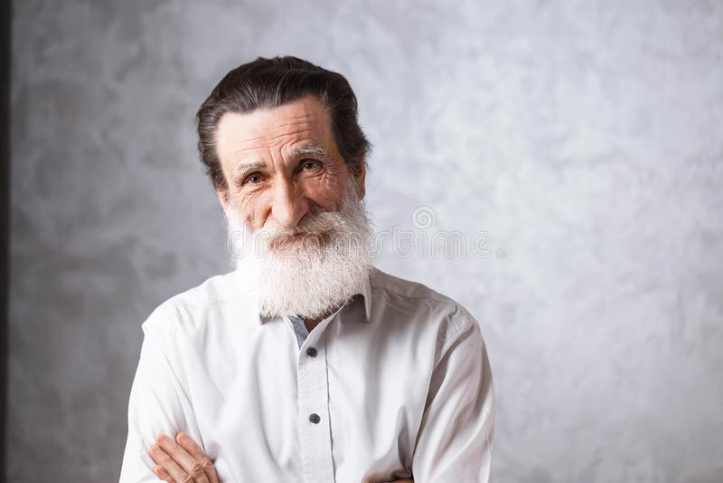 Retrato do homem farpado superior fotografia de stock