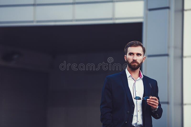 Retrato do homem modelo masculino da forma considerável 'sexy' fotos de stock