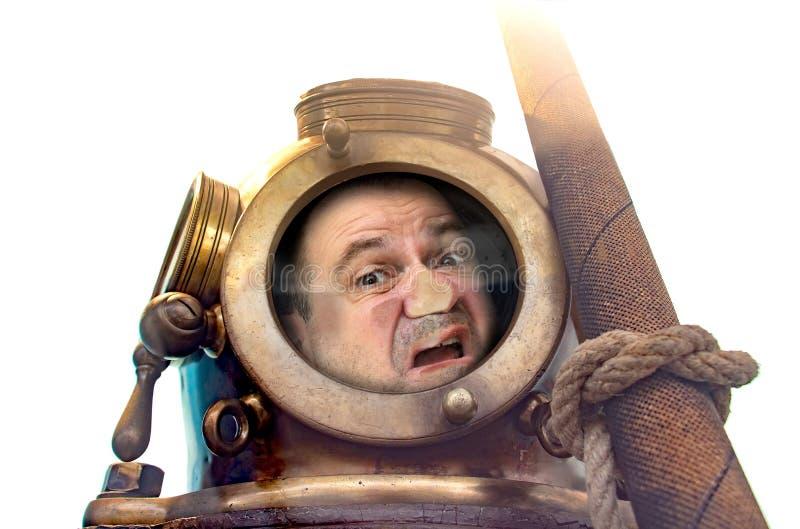 Retrato do homem no terno e no capacete velhos de mergulho imagem de stock royalty free