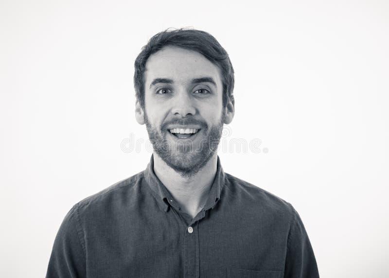 Retrato do homem novo alegre atrativo com a cara feliz de sorriso Express?es e emo??es humanas foto de stock