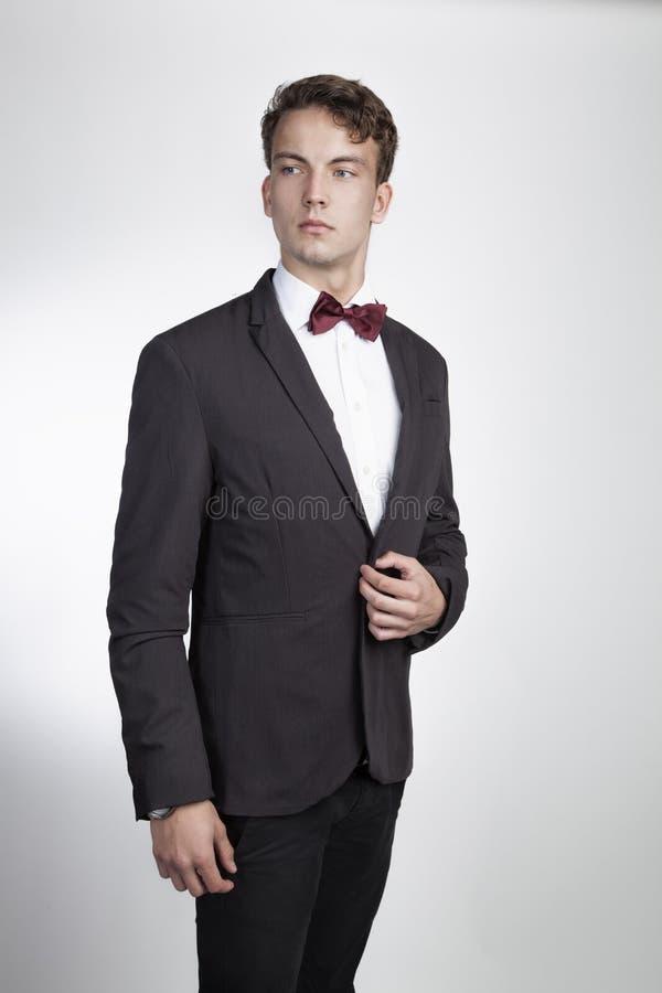 Retrato do homem novo bonito fotos de stock