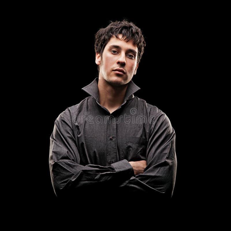 Retrato do homem novo sério na camisa fotos de stock