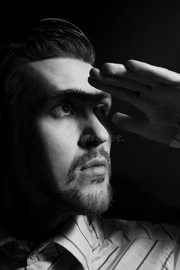 Retrato do indivíduo na moda novo no estúdio imagem de stock royalty free
