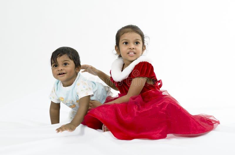 Retrato do irmão e da irmã. imagem de stock royalty free