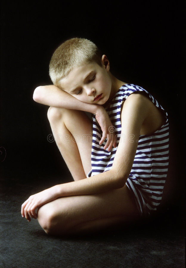 Download Retrato do menino foto de stock. Imagem de pouco, emoção - 525314