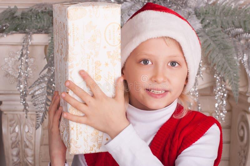Retrato do menino de sorriso feliz imagens de stock