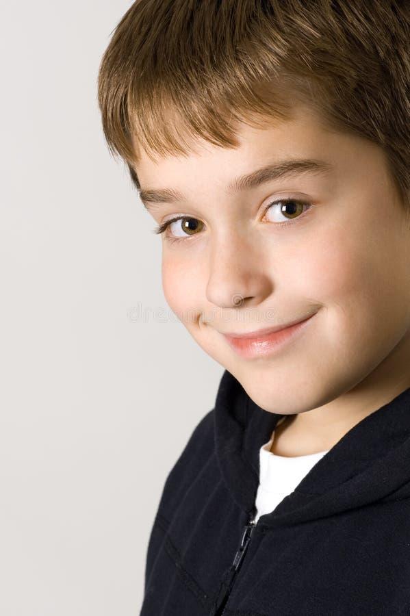 Retrato do menino de sorriso novo foto de stock royalty free