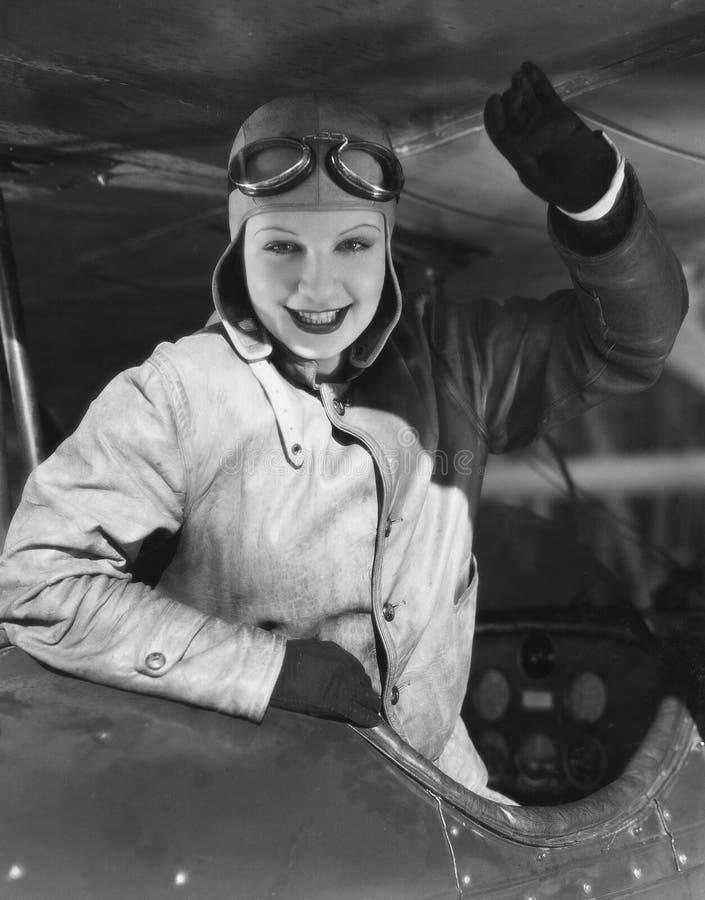 Retrato do piloto fêmea (todas as pessoas descritas não são umas vivas mais longo e nenhuma propriedade existe Garantias do forne imagem de stock