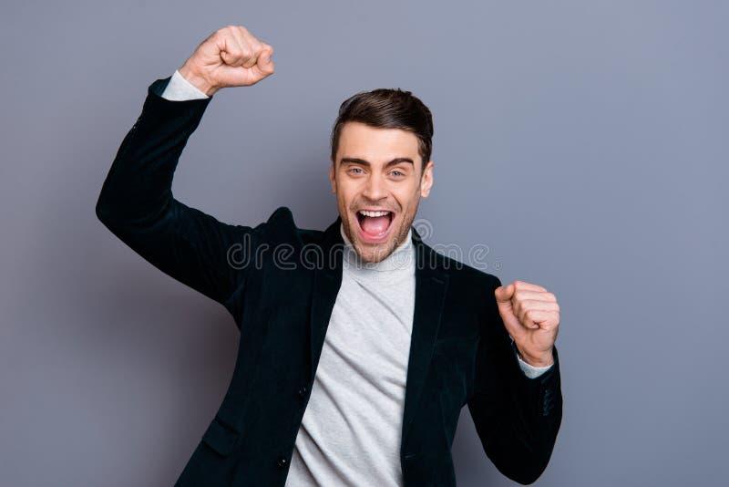 Retrato do seu ele blazer vestindo da belbutina do indivíduo animador alegre afortunado atrativo considerável bonito agradável qu foto de stock royalty free