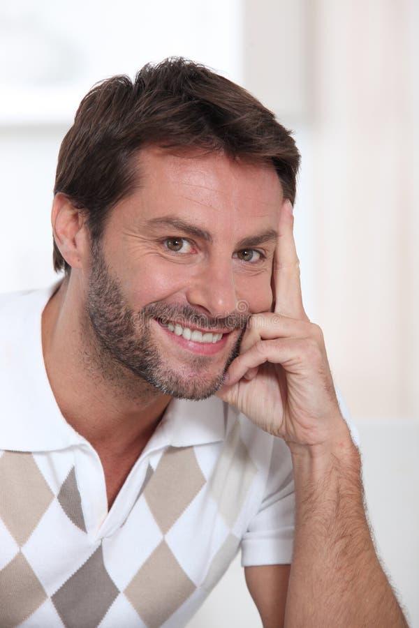 Download Retrato Do Sorriso Do Homem Imagem de Stock - Imagem de pessoa, cabeça: 26502879