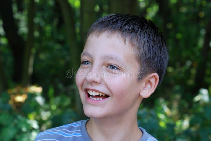 Retrato do sorriso do menino do pre-teen fotografia de stock royalty free