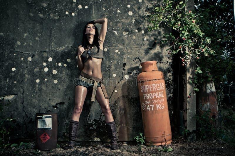 Retrato dramático corajoso da mulher 'sexy' fotografia de stock royalty free