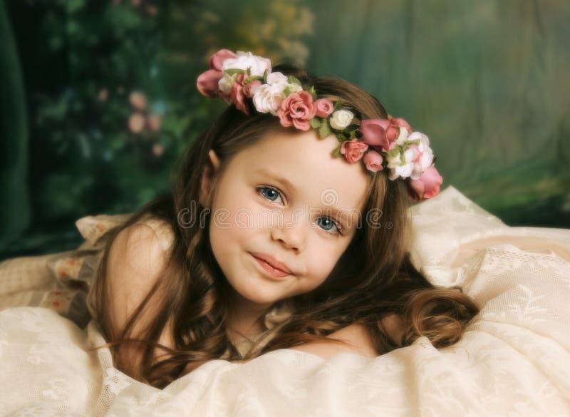 Retrato elegante da rapariga lindo foto de stock