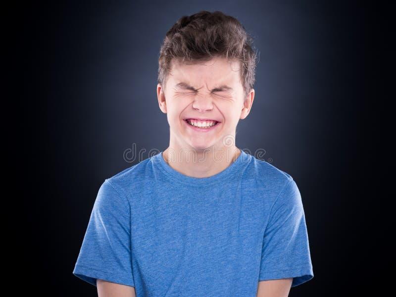 Retrato emocional do menino adolescente imagens de stock