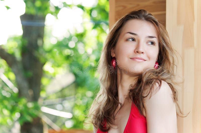 Retrato exterior da fôrma da rapariga. imagens de stock royalty free