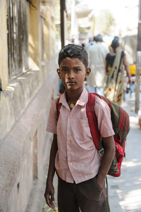 Retrato exterior estudante do 23 de fevereiro de 2018 indiano Madurai, Índia imagem de stock