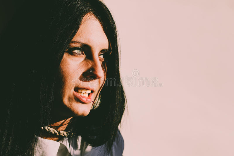 Retrato fêmea assombrado foto de stock royalty free