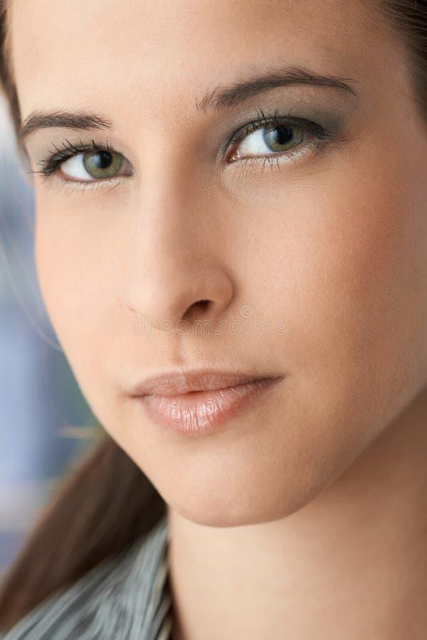 Retrato facial da jovem mulher bonita fotografia de stock royalty free