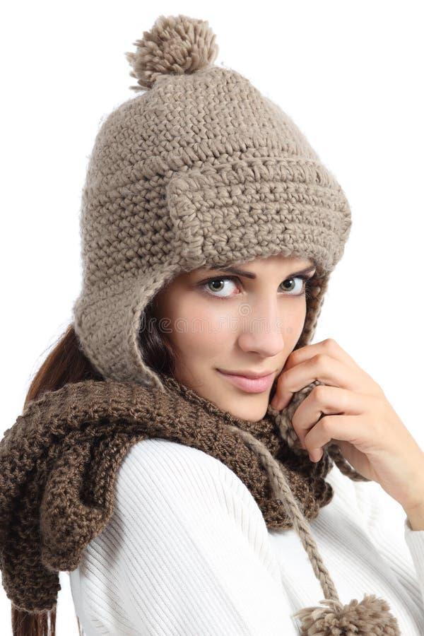 Retrato facial da mulher vestido calorosamente no inverno imagem de stock royalty free