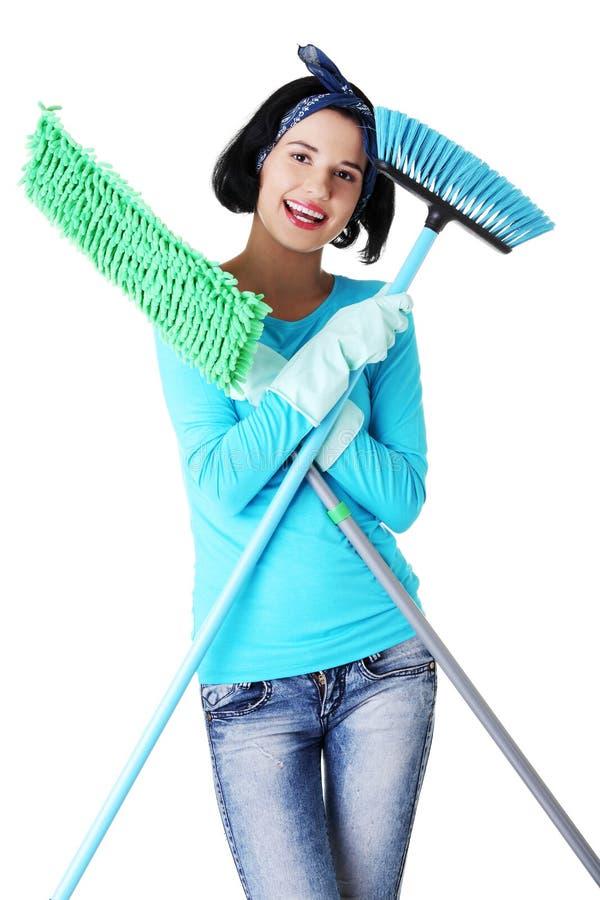 Download Retrato Feliz Da Mulher De Limpeza Imagem de Stock - Imagem de engraçado, casa: 29827307