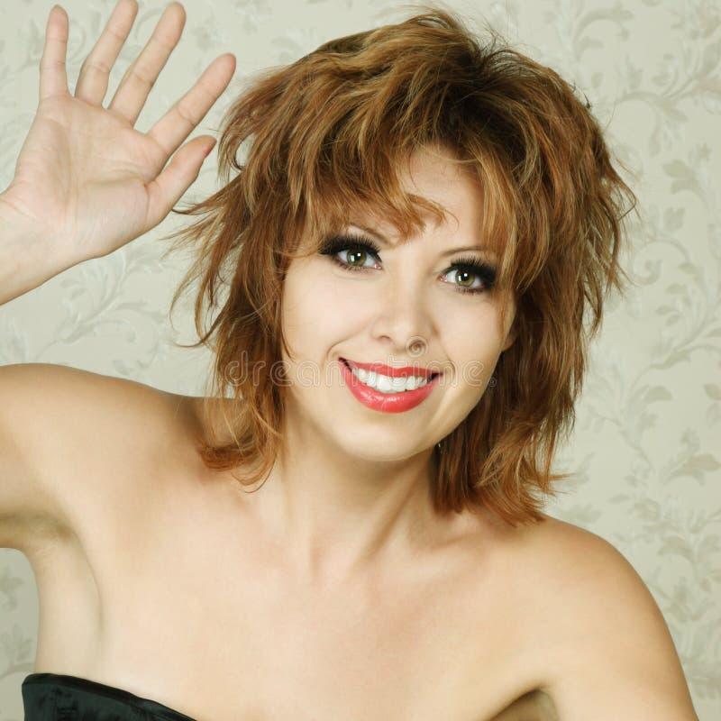 Download Retrato Feliz Da Mulher Nova Foto de Stock - Imagem de adulto, felicidade: 16858226