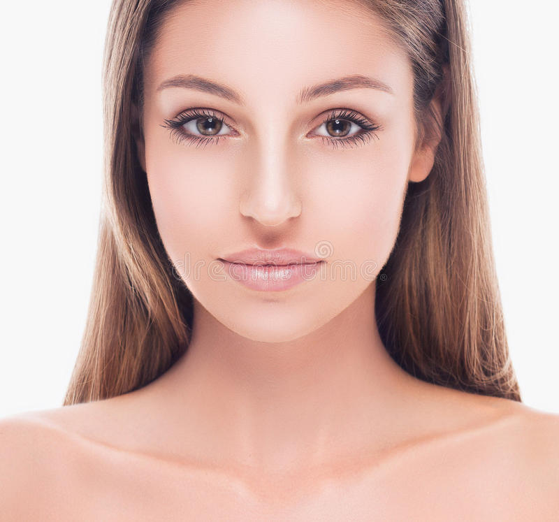 Retrato hermoso joven de la cara de la mujer con la piel sana fotos de archivo libres de regalías