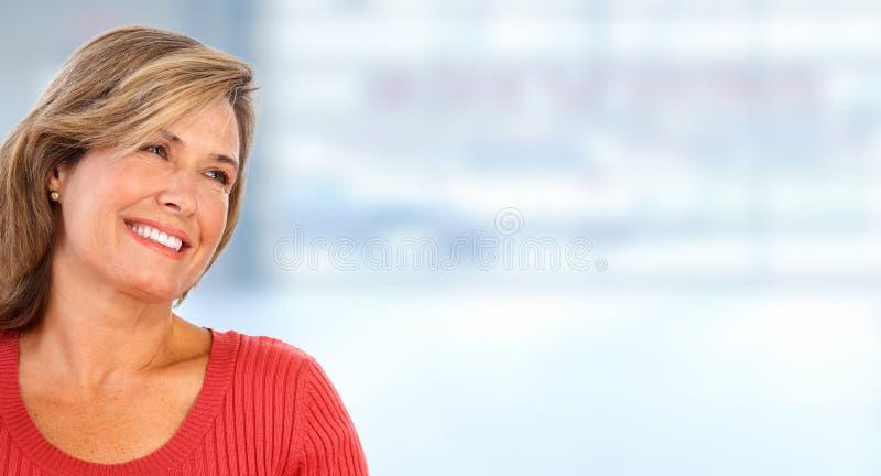 Retrato idoso bonito da mulher foto de stock royalty free